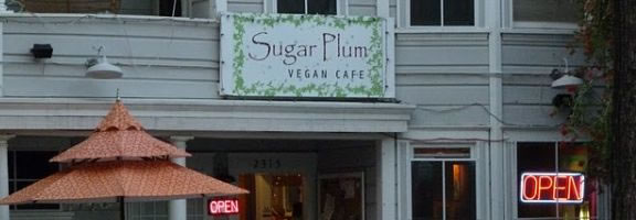 As a lover of all foods, I knew when I drove down K Street and noticed Sugar Plum Vegan Café, that I had to try it!  Sugar Plum Vegan is a casual café, nestled in an old Victorian on K Street in between 23rd and 24th Streets.  The menu is simple and everything on it is 100% Vegan, and organic whenever possible.